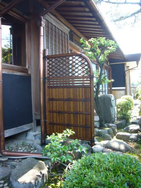 【西脇市リフォーム】和風庭の竹垣取替施工後