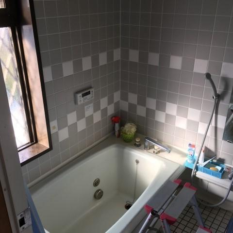 【西脇市リフォーム】浴室・トイレ取替・クロス張替工事施工前